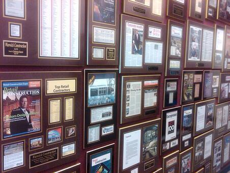 newspaper article plaques, magazine frame, personalized plaques, corporate plaques, laminated plaques, business plaques