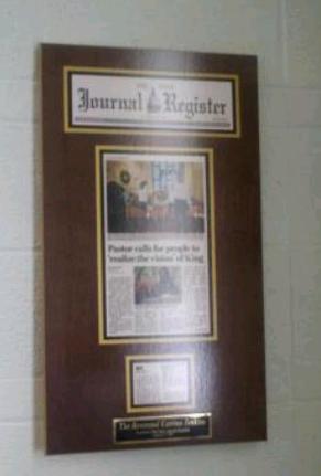 newspaper article framing, frame newspaper, newspaper article display