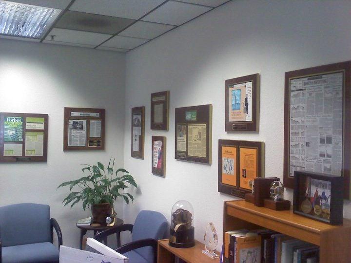 laminated plaques, magazine frames, corporate plaques, personalized plaques, order plaques, business plaques